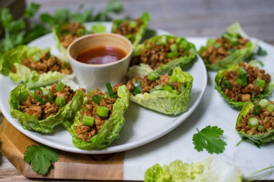 Mini Lettuce Cups with Sweet Chilli Sauce