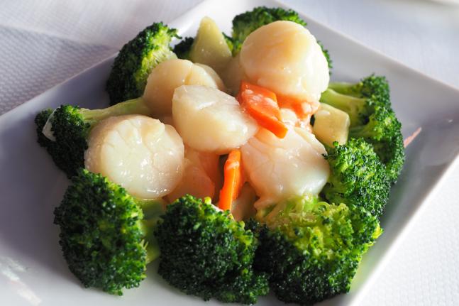 Stir-Fried Broccoli with Fresh Scallops