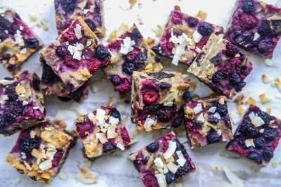 Jacqueline Alwill's Quinoa and Berry Muesli Slice Recipe