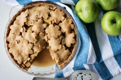 Georgia Harding's delciious Maple Chai Apple Pie Recipe