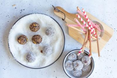 Raw Christmas Pudding Bites