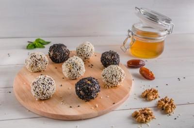 Choc Tahini Protein Balls