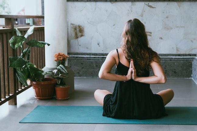 yoga to de-stress