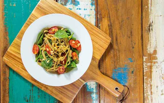 Spinach, Tomato & Pesto