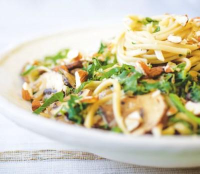 Spaghetti with Creamy Garlic Mushroom & Spinach