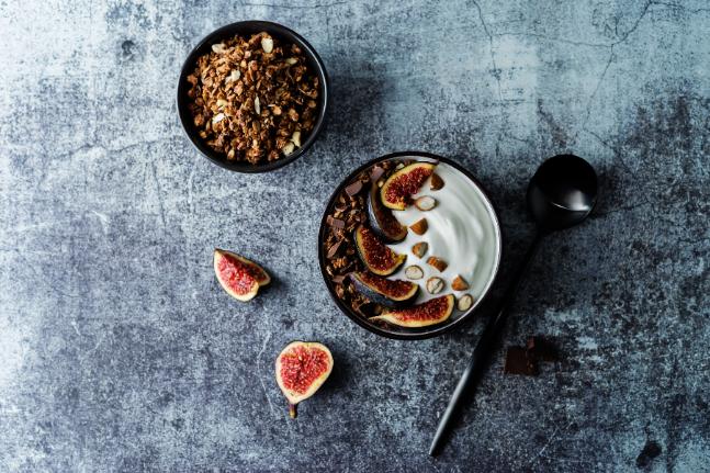 Gluten-Free Antioxidant Granola with Cacao