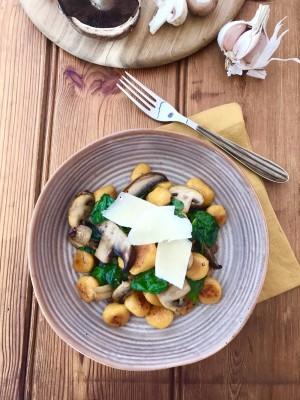 Pumkin Gnocchi With Pan Fried Mushrooms 1 4iaejkj8